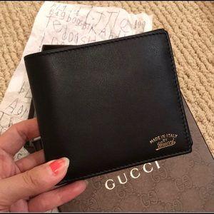 Handbags - New men's Gucci wallet